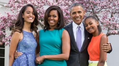 أوباما يوقِّع اتفاقاً بسعر قياسي لنشر مذكراته
