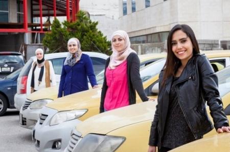تاكسي للنساء الاردن برعاية السفارة 120588_11_1441114470.jpeg