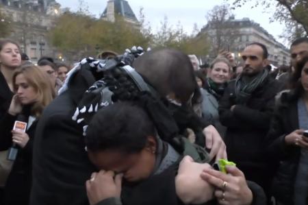فيديو مسلم يثير بكاء الباريسيين 127268_34_1448033055.png